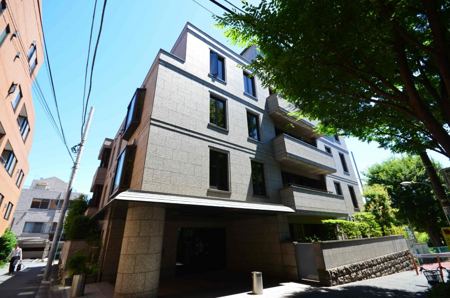 Hottasaka House